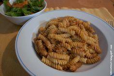 Ein Pesto als Walnüssen und Karotten klingt doch mal nach einer wahnsinns Kombi oder?! Gabs diese Woche bei Sabine auf Pasta. Stelle ich mir auch super als Salatdressing vor.