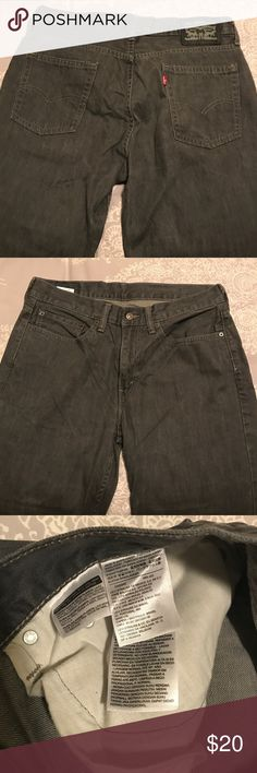 MENS Levi grey jean MENS Levi grey jean! Look cute- never seen them worn before. He's probably never worn them ;) no Levi fit shown but most likely slim fit. Size 34/32 Levi's Jeans Slim