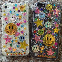 25 Ways to DIY a Killer Phone Case - Phone Cases - Phonecases Cute Phone Cases, Diy Phone Case, Iphone Cases, Diy Case, Airpods Apple, Apple Watch, Aesthetic Phone Case, Brown Lipstick, Aesthetic Pictures
