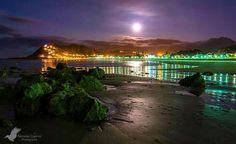 #Ribadesella a la luz de la luna! #Asturias by @nicuervo pic.twitter.com/vHKSHP2kUi