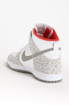 Nike Dunk High Skinny Sneaker in White (white/ medium grey/ sunburst) - 分享 - 上流- 发现高端时尚,分享高端时尚 - 采集高端时尚