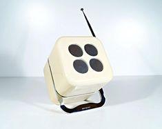 Ère spatiale radio Siemens RK 501, radio de transistor vintage 70 ' s boom box, rétro, cube design: opération Mario Bellini, batterie et du réseau