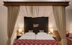 Curtains, Bed, Wellness, Furniture, Facebook, Website, Medium, Home Decor, Four Poster Bed