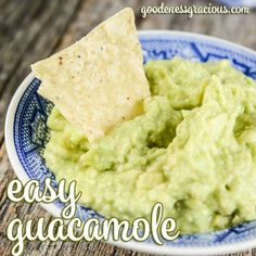 Are you looking for a simple way to make guacamole? This easy guacamole recipe is my go-to recipe any time I am craving guac! It is so delicious and scale-able to feeda crowd if needed. Cris here.…