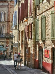 Albi streets Southern France, French, Street, Places, French People, French Language, France, Walkway, Lugares