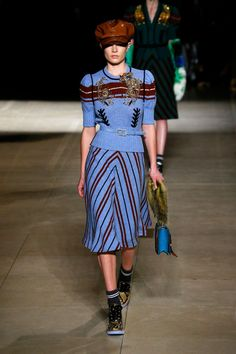 The 10 autumn/winter 2017 fashion trends to have on your radar Fashion 2017, World Of Fashion, Fashion News, Fashion Trends, Looks Kate Middleton, New York To Paris, Models Backstage, Fall Trends, Pretty Outfits