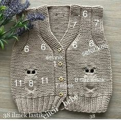 Baby breipatronen ð patterns de tricot de tejer di maglieria modelleri Baby Knitting Patterns, Free Knitting, Crochet For Kids, Crochet Baby, Knit Crochet, Baby Boy Photos, Baby Cardigan, Baby Sweaters, Baby Outfits
