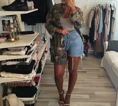 camo jacket, blue denim shorts, and black choker necklace image Short Outfits, Chic Outfits, Fashion Outfits, Love Fashion, Fashion Looks, Womens Fashion, Fall Winter Outfits, Summer Outfits, Spring Summer Fashion