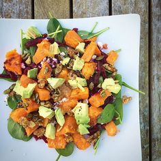 ❤️ Kumara, Spinach & Avocado Salad ❤️ ✔️handful of baby spinach ✔️2 medium beetroots, grated ✔️1/2 orange kumara, peeled, cubed, roasted (in a little olive oil, salt & pepper in oven at 200C for 20mins, until golden) ✔️small handful walnuts & pumpkin seeds ✔️1 tbsp pure maple syrup ✔️1/2 tsp mixed spice ✔️1/2 avocado ✔️sprinkle of feta (optional) ✔️dressing: lemon juice, olive oil & honey ✔️salt & pepper Place the baby spinach on the serving platter, top with grated beetroot, and a l...