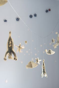 rocket ships and stars [tutorial] 3d stamp + cut paper garland