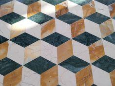 #luxury #mosaico #verdeguatemala #giallosiena #cremaatlantico #сделанновИталии #Итальянскaя роскошь #Ванная комната #Шоу-рум #уютныйдом #мозаика