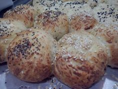 Pancitos con sesamo Bread, Food, Food Cakes, Brot, Essen, Baking, Meals, Breads, Buns