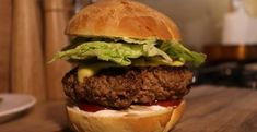 Domáce hamburgery - Receptik.sk Homemade Hamburgers, Cooking, Health, Ethnic Recipes, Food, Kitchen, Youtube, Homemade Burgers, Health Care