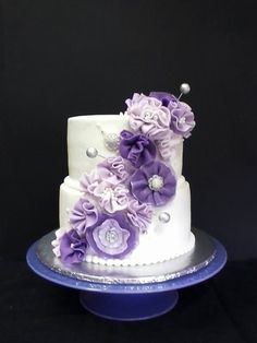 love these fondant flowers
