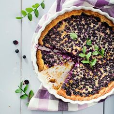 Mustikkapiirakka // Blueberry Pie Food & Style Arja Elina Laine, Myllyn Paras Photo Satu Nyström www.maku.fi