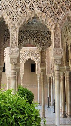 Alhambra, Granada Islamic Architecture, Beautiful Architecture, Beautiful Buildings, Art And Architecture, Architecture Details, Alhambra Spain, Granada Spain, Seville Spain, Grenade