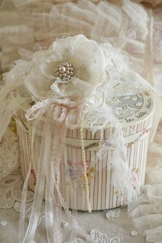 pearls and lace...♥