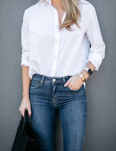 White button down and high rise jeans #whiteshirt #jeans #denim #cartier #applewatch #outfits
