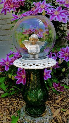 yard art-garden totem-angel in a bubble-glass garden art-repurposed-garden sculpture- garden decor- garden whimsey-Mother's Day-birthday Angel Garden, Magic Garden, Diy Garden, Garden Crafts, Garden Projects, Art Projects, Glass Garden Flowers, Glass Garden Art, Glass Art