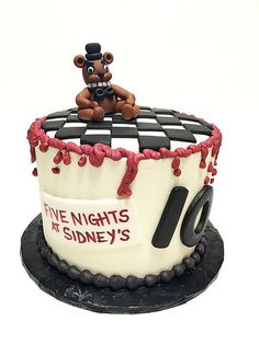Five Nights at Freddy's birthday cake Cool Birthday Cakes, Birthday Fun, Birthday Ideas, Fnaf Cakes Birthdays, Freddy 's, Party Themes, Theme Parties, Party Ideas, 10th Birthday Parties