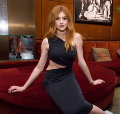 Katherine McNamara played Clary Fray in Shadowhunters Katherine Mcnamara, Kat Mcnamara, Clary Und Jace, Clary Fray, Gorgeous Redhead, Young Female, Tips Belleza, Redheads, Sexy Women