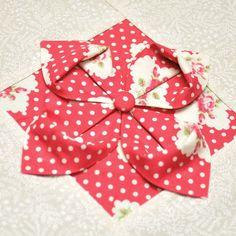 Bloque 20: Flor de Origami - sampler colcha textura   TeresaDownUnder porción cosida