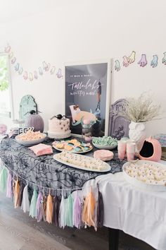 Move over, creepy Halloween decor! This Monster Mash party is about the cutest thing we've seen. How do you feel about this pastel take on a traditional color scheme? Party by: Photo: Entertainment: October Birthday Parties, Halloween 1st Birthdays, Halloween First Birthday, Pink Halloween, Halloween Party Decor, Halloween Themes, Birthday Party Themes, Baby Shower Halloween, Birthday Ideas