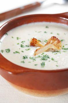 Sopa de coliflor. Haz clic para verla receta. http://serpadres.com/cocina/sopa-de-coliflor-recetas-faciles-cocina/#
