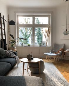 Succulents: main species and decoration ideas - Home Fashion Trend Living Room Interior, Rugs In Living Room, Living Spaces, Interior Decorating, Interior Design, Interior Inspiration, Home Fashion, Sweet Home, Bedroom Decor