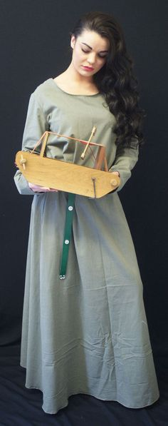 Medieval/LARP/Dark Age/Viking/Re enactment Sage KIRTLE Under Dress size 8- PLUS in Clothes, Shoes & Accessories, Toys & Games   eBay