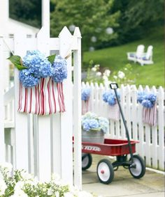 Your 4th of July flowers have never looked this adorable.  Get the tutorial at Good Housekeeping.