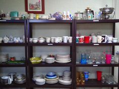 What NOT to Buy at Thrift Stores - Domestic Mommyhood Thrift Store Shopping, Local Thrift Stores, Second Hand Stores, Money Saving Tips, Teaching Kids, Thrifting, Bookcase, Shelves, 99 Problems