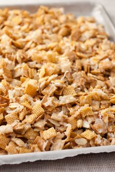 My favorite recipe Sweet Holiday Chex Mix - Highly addictive! this makes the perfect Christmas gift and it only takes about 10 minutes to make. Snack Mix Recipes, Yummy Snacks, Appetizer Recipes, Delicious Desserts, Cooking Recipes, Yummy Food, Snack Mixes, Appetizers, Sweets Recipes