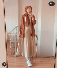 Hijab Fashion Summer, Modest Fashion Hijab, Modern Hijab Fashion, Street Hijab Fashion, Modesty Fashion, Hijab Fashion Inspiration, Muslim Fashion, Skirt Fashion, Hijab Fashion Style