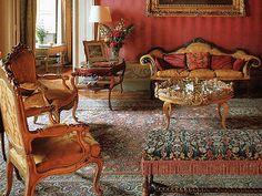Georgian look Georgian Era, Medieval Fashion, Victorian Gothic, Decor Styles, Interior Design, Chair, Rugs, Furniture, Ideas