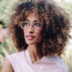 Departing 'Teen Vogue' Editor-in-Chief Elaine Welteroth Signs With CAA (Exclusive) Coffee Brown Color, Coffee Brown Hair, Teen Vogue, Elaine Welteroth, Curly Hair Styles, Natural Hair Styles, International Fashion Designers, Peinados Pin Up, Women Lawyer