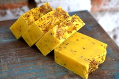 Lemon lovers here's your new shower companion. Vibrant and so very uplifting. This soap will brighten your day. It has a strong lemongrass aroma that is unique and beautiful. It contains real lemongrass essential oil, white willow bark and calendula.