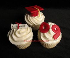 With graduation season here I thought i'd get in some cupcakes for the grads before heading into next weeks series for dads. Although I'll h...