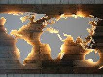 "Beleuchtete Holz Weltkarte ""Powell"" - 128x78cm"