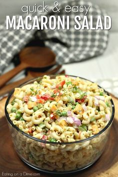 This Easy Macaroni Salad recipe is the perfect side dish to bring to Summer BBQ's, parties and more! Easy macaroni salad is loaded with veggies, cheese and more. You will love the creamy dressing in Macaroni salad recipe. Southern Macaroni Salad, Creamy Macaroni Salad, Best Macaroni Salad, Macaroni Pasta, Chicken Macaroni Salad, Salad Chicken, Creamy Pasta, Easy Greek Salad Recipe, Greek Salad Recipes