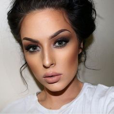 Wish I could do my make-up like this.. but I'd end up looking like a clown if i try.