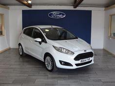 Ford Fiesta 1.0 EcoBoost Titanium 5dr Hatchback Petrol White