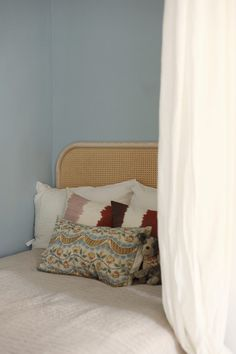 Matrin Hilja-sänky & Lempi-sängynpääty Bed, Inspiration, Furniture, Home Decor, Biblical Inspiration, Decoration Home, Stream Bed, Room Decor, Home Furnishings