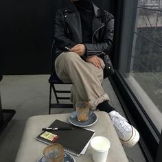 Korean Fashion Trends you can Steal – Designer Fashion Tips Look Fashion, Winter Fashion, Fashion Outfits, Womens Fashion, Vogue, Looks Style, My Style, Jeans Boyfriend, Korean Fashion Trends