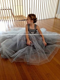 85.00$ Buy now - http://aliipq.worldwells.pw/go.php?t=32711885136 - 2016 Gray Flower Girl Dresses for Wedding Puffy Ball Gowns first communion dresses for girls pageant dresses Kids Evening Gowns