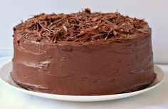 Milk and Honey: Chocolate Layer Cake with Chocolate Cream Cheese Frosting No Bake Desserts, Delicious Desserts, Dessert Recipes, Yummy Food, Hungarian Cake, Hungarian Recipes, Chocolate Cream Cheese Frosting, Chocolate Cake, Honey Chocolate