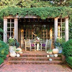 http://judyscottagegarden.blogspot.com/2013/11/beautiful-fall-outdoor-rooms.html