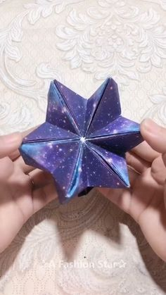 Diy Crafts Hacks, Diy Crafts For Gifts, Creative Crafts, Fun Crafts, Diys, Instruções Origami, Paper Crafts Origami, Oragami, Paper Flowers Craft