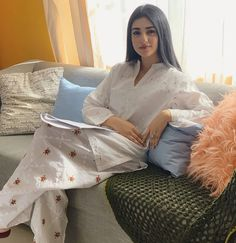 Top 10 Asian Actresses in Beautiful White Dress Stylish Dress Designs, Stylish Dresses, Simple Dresses, Nice Dresses, Casual Dresses, Stylish Dress Book, Pakistani Fashion Casual, Pakistani Dresses Casual, Pakistani Dress Design