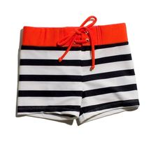 Striped shorts with contrast waist